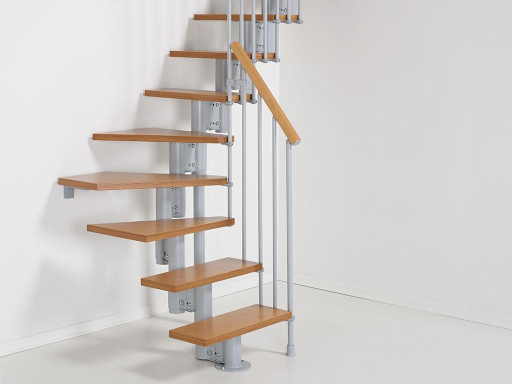 Nice4 Рtrappa med rak utformning f̦r sm̴ utrymmen, med trappsteg ...